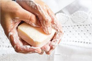 脱毛石鹸の効果のほどは?洗うだけでツルツルになる?